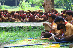 Membros do treinamento nos escuteiros foto de stock royalty free