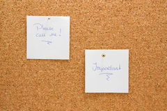 Memo board with message. Please call me and important Royalty Free Stock Photography
