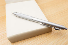 Memo pad and pen Royalty Free Stock Images
