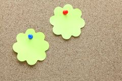 Memo paper on cork board Royalty Free Stock Images