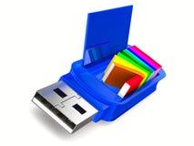 Memoria USB y libros en el fondo blanco Fotos de archivo