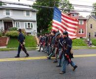 Memorial Day ståtar, historisk Reenactment, regementemarschen, USA arkivbild