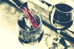 Memorial Day, USA, strömender Wein, Picknick, reden noir an stockfotos