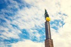 Memorial de guerra - monumento dos heróis do exército vermelho em Schwarzenbergplatz em Viena, Áustria Imagem de Stock