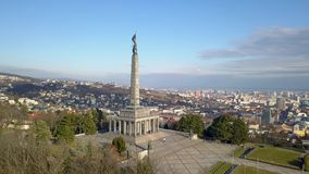 Memorial de guerra de Slavin em Bratislava video estoque