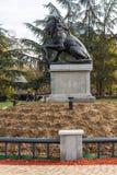 Memorial do primeiro e sexto regimento de infantaria no parque na frente do palácio nacional da cultura Fotografia de Stock Royalty Free