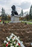 Memoriale del primo e sesto reggimento di fanteria in parco davanti al palazzo nazionale di cultura Fotografie Stock Libere da Diritti