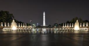 Memoriale della seconda guerra mondiale alla notte Immagini Stock Libere da Diritti