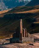 Memoriale vicino a Seydisfjordur in Islanda immagine stock