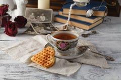 Memorias de la familia un té de la tarde Foto de archivo libre de regalías