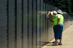 Memories at the vietnam wall memorial Stock Image