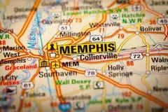 Memphis City em um mapa de estradas Fotografia de Stock Royalty Free