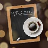 Menütafelhintergrund mit Tasse Kaffee Stockbilder