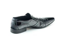 Men& x27 μαύρα δίπλωμα ευρεσιτεχνίας-δερμάτινα παπούτσια του s που απομονώνονται στο άσπρο υπόβαθρο Στοκ εικόνα με δικαίωμα ελεύθερης χρήσης