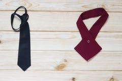 men& x27 ; accessoires de s pour un costume de fête Image stock