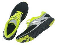 Men& x27 ; chaussures de s pour pulser d'isolement sur le fond blanc Photo libre de droits