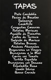 Menú de los tapas escritos en la pizarra, España Fotografía de archivo