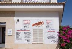 Menú del restaurante de los mariscos del puerto deportivo del espicanardo de Cala Imágenes de archivo libres de regalías