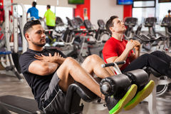 Men doing crunches in a gym Royalty Free Stock Photography