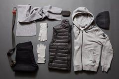 Men& elegante x27; ropa caliente y accesorios de s Fotos de archivo libres de regalías