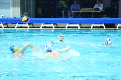 Men play water polo Royalty Free Stock Photography