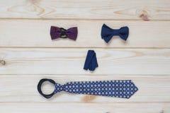 Men& x27; s de vlinder en de band van kledingstoebehoren Stock Afbeelding