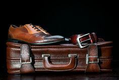 Men's leather shoes and a suitcase Royalty Free Stock Photos