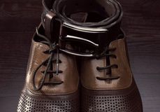 Men's shoes and leather belt Royalty Free Stock Photos