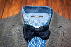 Men's suit with a stylish modern bow tie Royalty Free Stock Images
