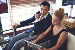 Men and woman entrepreneurs preparing for briefing Stock Images