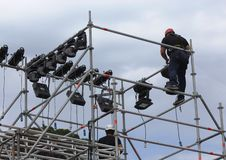 Men working on scaffolding Royalty Free Stock Images
