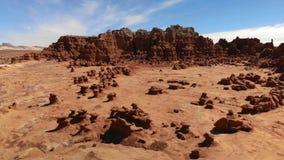 Menagrami nel parco di stato della valle del folletto, Utah, Stati Uniti Deserto Rocce del menagramo situate lungo il deserto di  archivi video