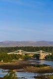 Menai桥梁、连接的Snowdonia和Anglesey 图库摄影