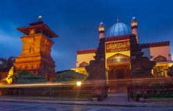 Menara Kudus - мечеть башни Kudus Стоковые Фото