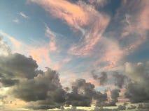 Menchii chmury podczas zmierzchu w Hanalei zatoce na Kauai wyspie w Hawaje Fotografia Stock