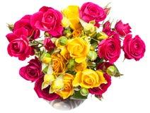 Menchii i koloru żółtego róży kiści kwiaty w wazie Obrazy Royalty Free