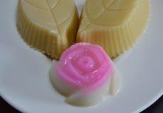 Menchii róży koksu galareta na naczyniu Zdjęcie Stock