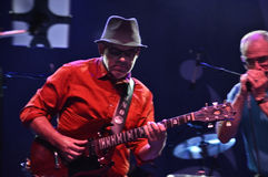 Mendelis de Nuno que jogam a guitarra no festival de jazz de montreal Fotos de Stock Royalty Free