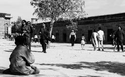 Mendigo en la calle foto de archivo