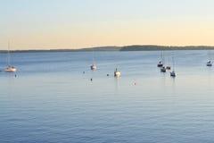 Mendota sjö i Madison, Wisconsin, USA Arkivbild