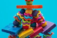 Meneos y juguete del p?jaro de las obleas para toda la clase de p?jaros, loros Previene el aburrimiento del p?jaro imagenes de archivo