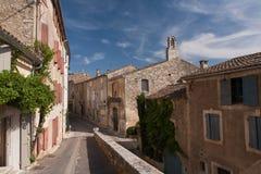Menerbes村庄在法国的南部的 库存照片