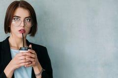 Meneur d'équipe d'entreprise de dame sûre d'affaires photos libres de droits