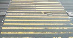 Menge der gehenden Kreuzungsstraße der Leute in Hong Kong, timelapse stock video footage