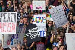 Menge erfasst am Trumpf-Protest Lizenzfreie Stockfotografie