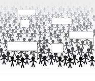 Menge von den Leuten, die marschieren, um zu protestieren Lizenzfreie Stockfotos