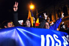 Menge von Leuten während eines Straßenprotestes Stockbilder