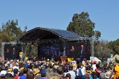 Menge vor dem Stadium, das AFL-Amt des Premierministerss-Cup vor dem großartigen Schluss darstellt Stockbild