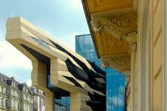 Mengeling van architecturale stijlen Stock Foto's