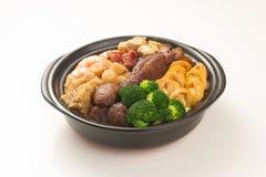 Mengeling van Chinees voedsel in claypot, Chinese keuken Royalty-vrije Stock Afbeeldingen